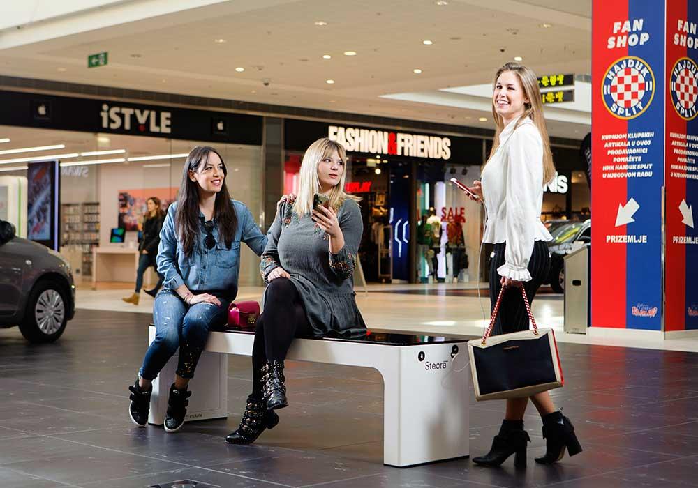 Banc pour centre commercial, galerie marchande, transport en commun, musée, etc....